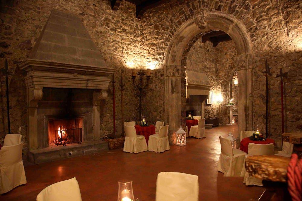 Castello Medioevale Castellammare Di Stabia Sale Ed Ambienti